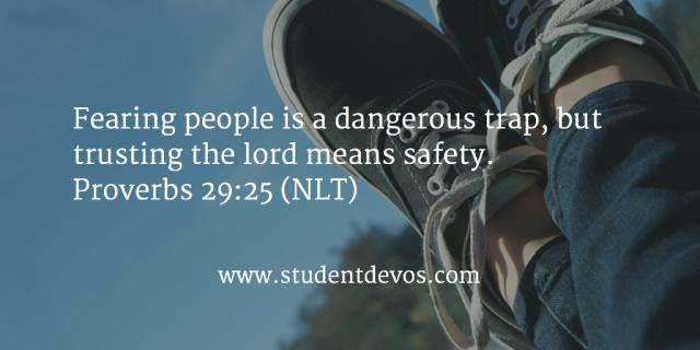 Spreuken 29 25 - fearing man a dangerous trap - StudentDeVos